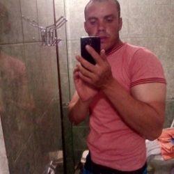 Парень ищет девушку в Ижевске