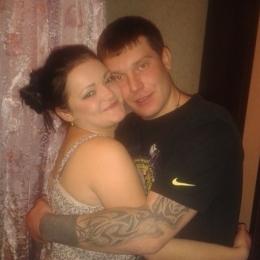 Пара познакомится с девушкой би для совместного времяпровождения в Ижевске