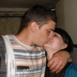 Пара МЖ из Москвы ищет девушку или хорошенькую женщину для плотских утех