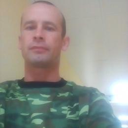 Подкачанный парень познакомится в Ижевске с девушкой для секса